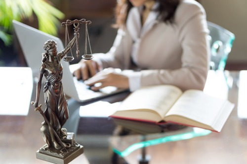 Why are senior female lawyers more likely to quit?