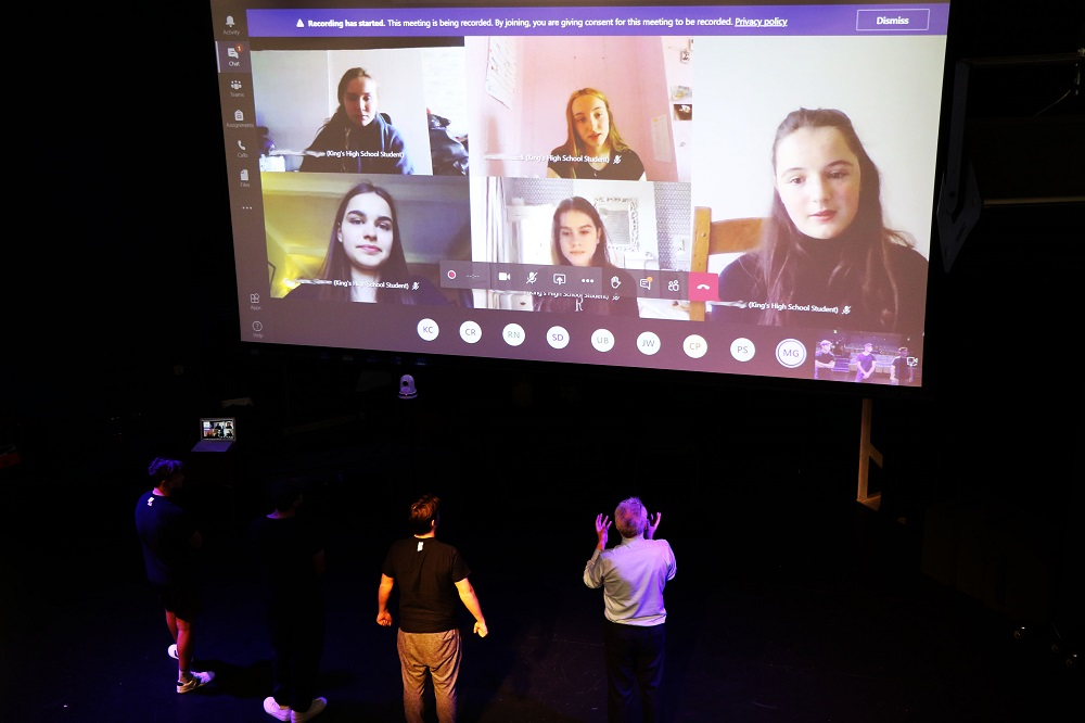 For Knox students, remote learning is no drama