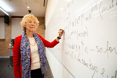 Pioneering mathematician wins 2019 Prime Minister