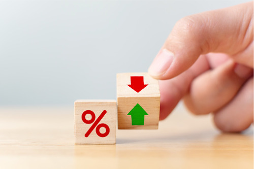 Lender passes on growth benefits by slashing prime rates