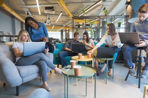 Co-working spaces spreading rapidly in Canada