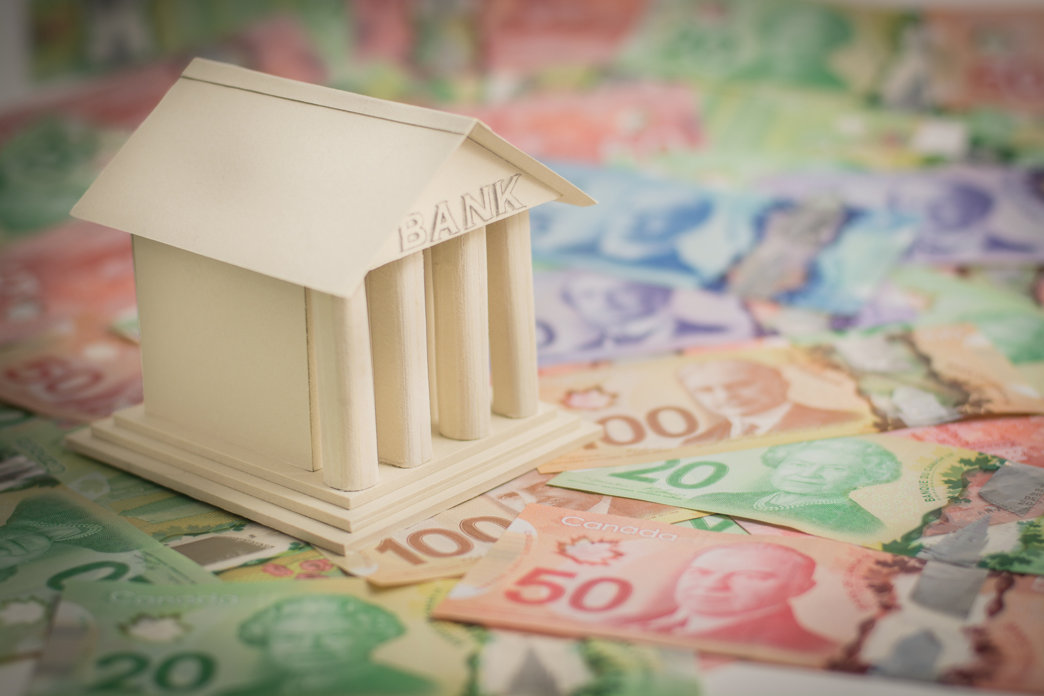 Should the Canadian market open to American banks?