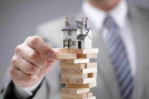 """CMHC: National housing market showing """"moderate"""" vulnerability"""