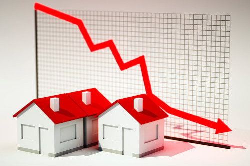 Moody's: Significantly lower home prices expected in several Canadian markets