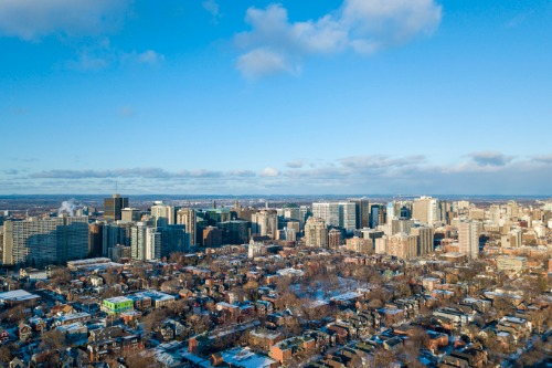 Is COVID-19 pushing Canadians away from the big cities?