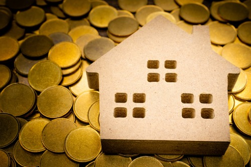 Has the pandemic affected Canadians' monthly mortgage payments?