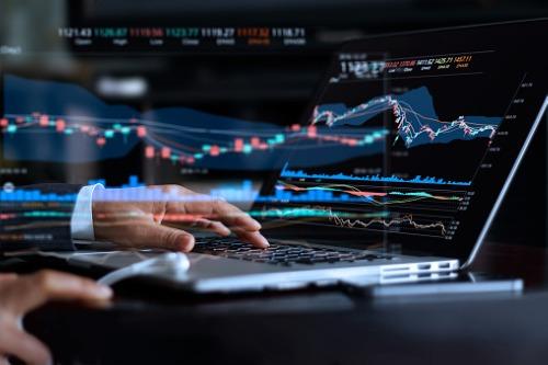 Large active funds have a return advantage
