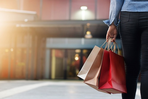 Canadians to spend more over the holidays as finances improve