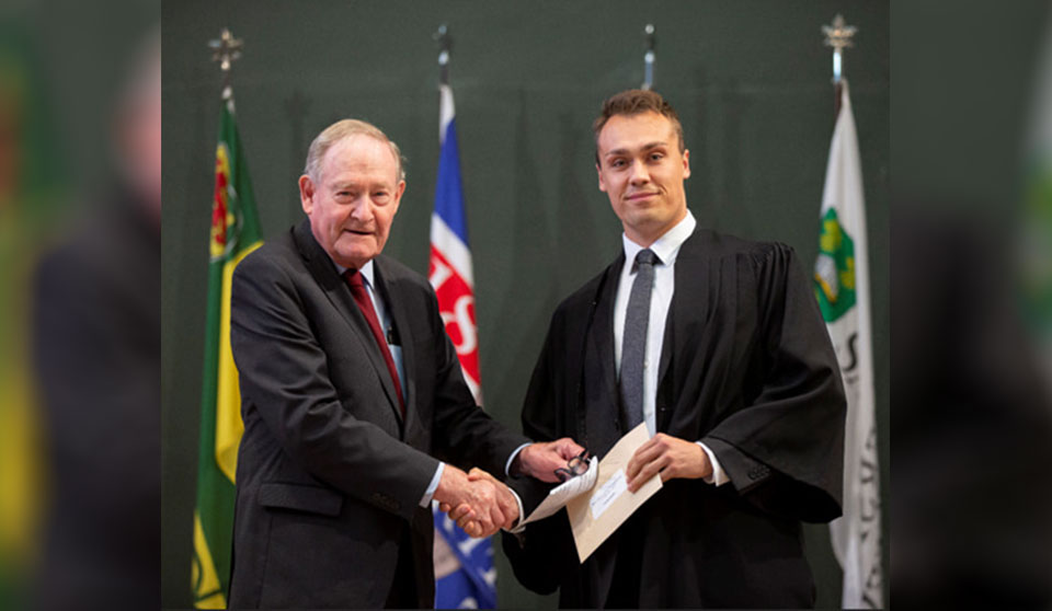 Gowling WLG awards $5,000 Indigenous law scholarship to University of Saskatchewan student