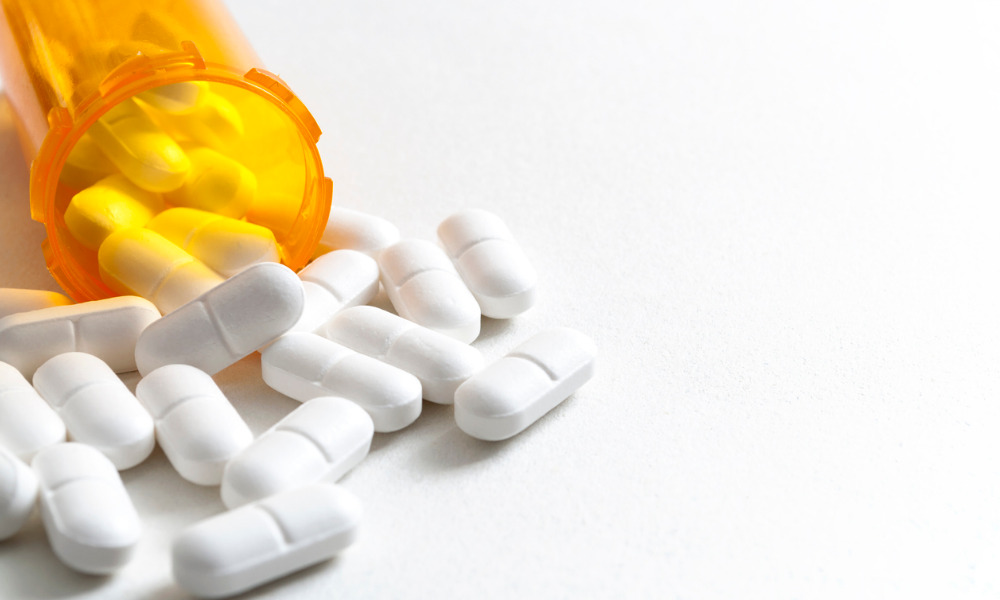 Proposed law in Manitoba will allow it to join class action against opioid manufacturers