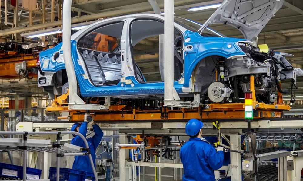 Automotive industry struggles amid ongoing supply chain challenges