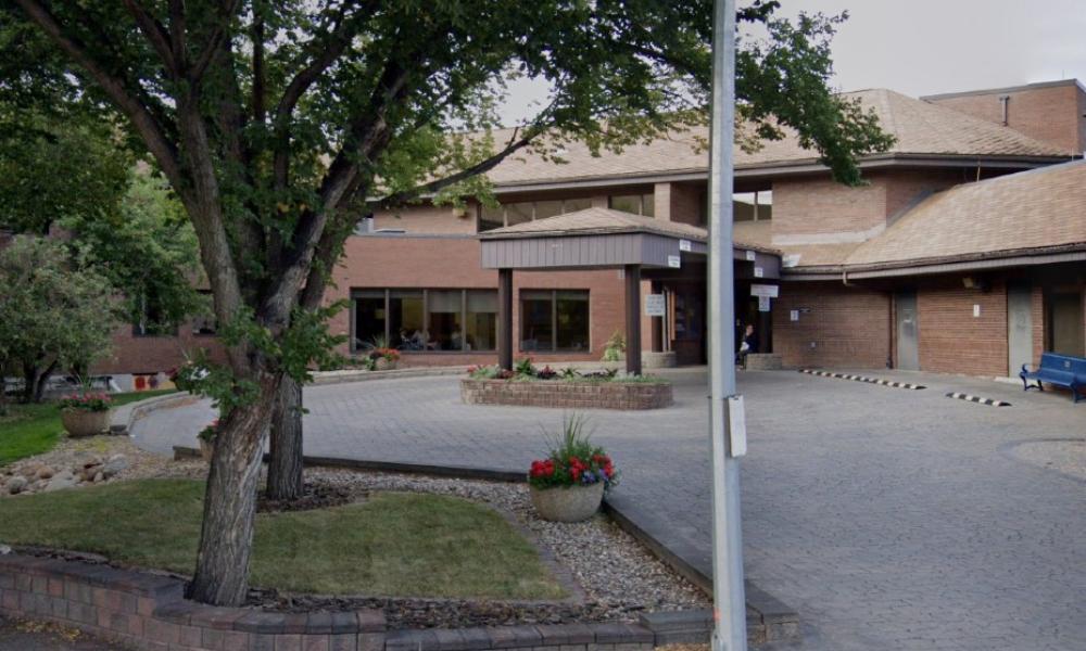 Alberta care home unjustly dismisses  nursing attendant over complaint