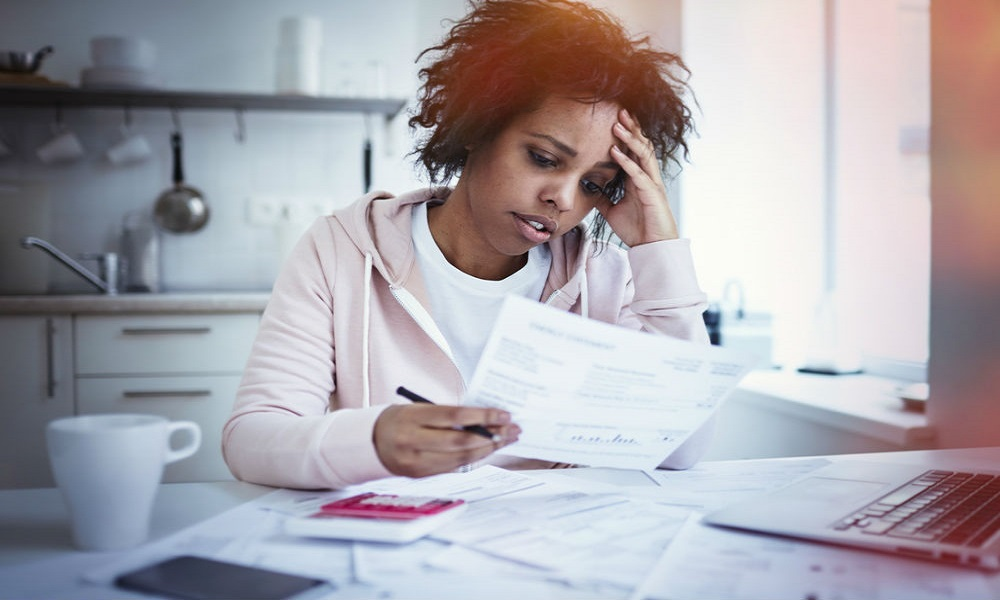 Average income rising for people in debt: report