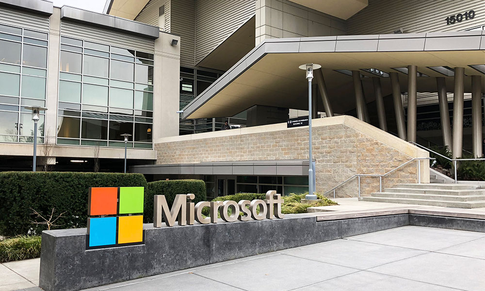 Microsoft employees told to stay home