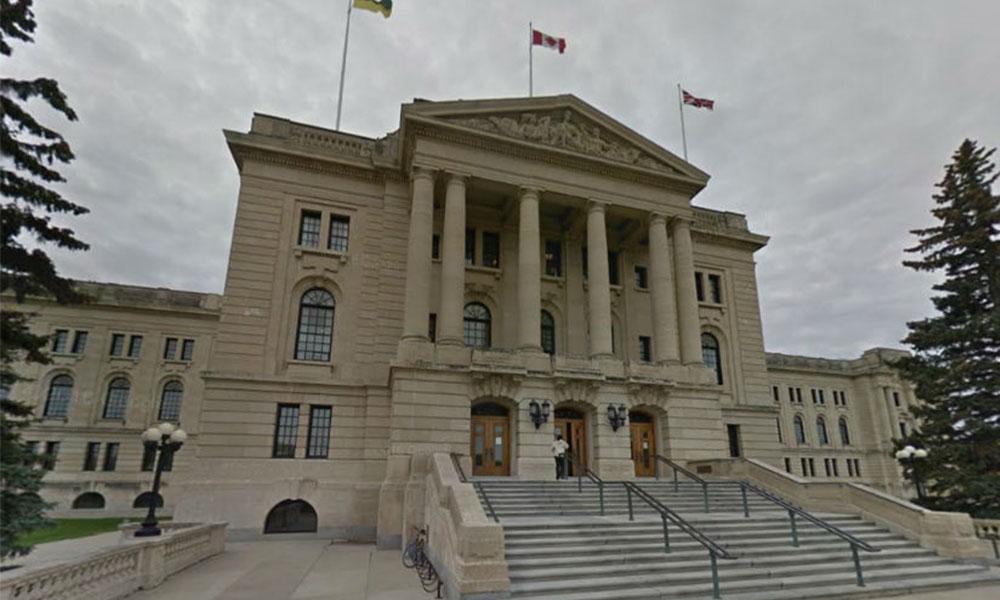 Saskatchewan boosts job-protected leaves during public health emergency