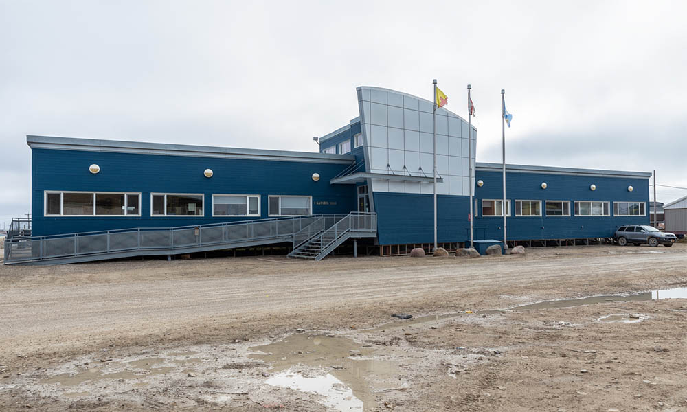 Nunavut public workers transitioning to work from home during pandemic
