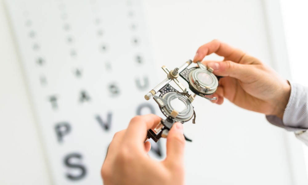 Optometrist sees red over employee's behaviour