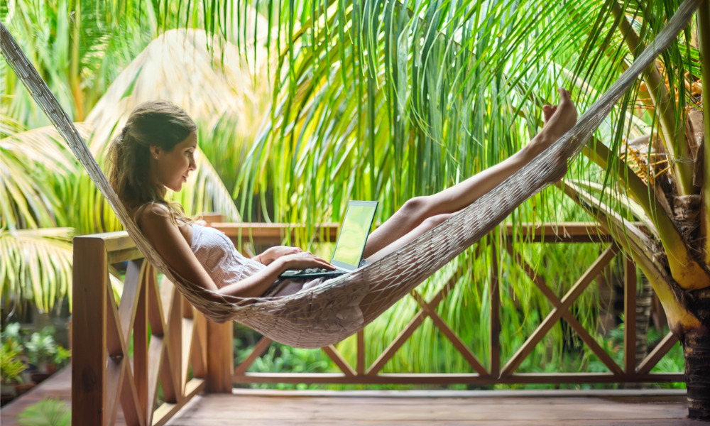 Employees can't stop working ─ even on vacation