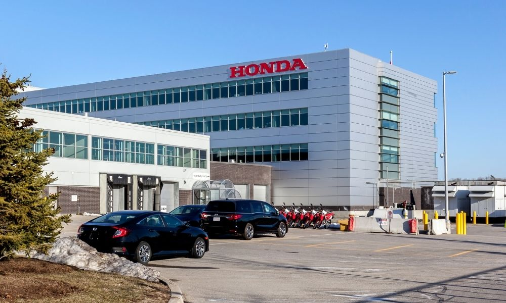 Ontario funds training for auto manufacturing workers