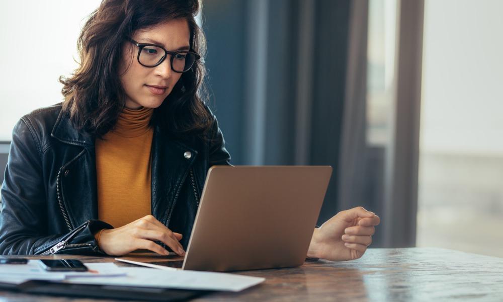 Digitally disadvantaged advisors risk losing clients