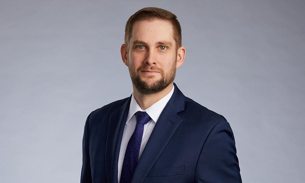 Dustin Hladkyj, CIBC Imperial Service