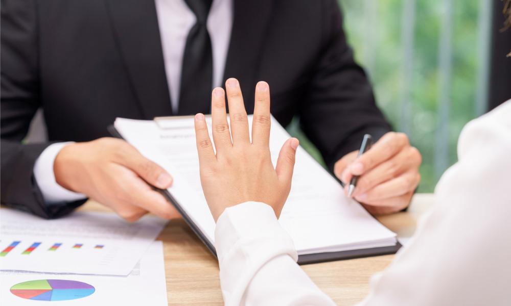 Most Canadian investors say 'no' to SRO merger
