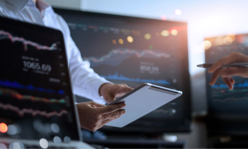 How much do Canadian portfolio managers make?