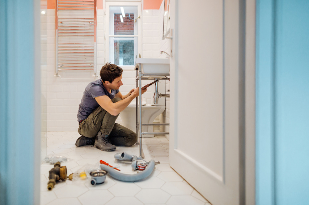 Renovations tumble as existing-home sales sputter