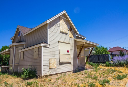 Housing supply falls to all-time low - Redfin