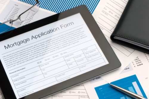 Mortgage applications continue to fall due to uptick in rates