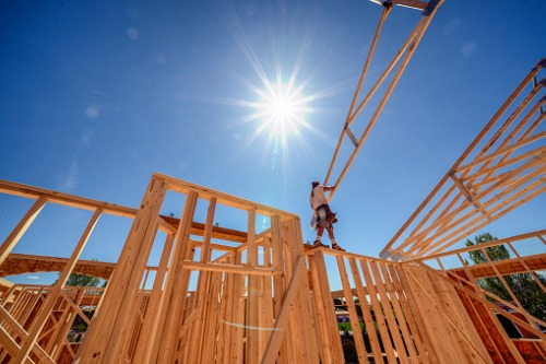 Housing starts underperform due to lumber costs and supply bottlenecks
