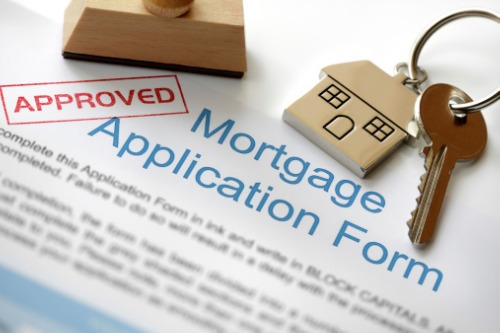 Mortgage applications up again as rates stay low