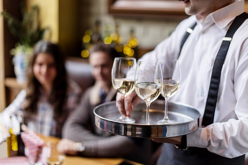 Upton Group calls for government to create insurance program for restaurants