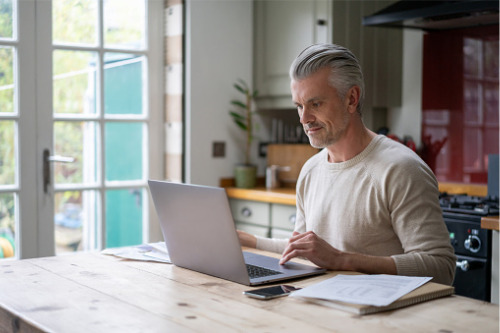 Leading remote workers in insurance
