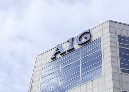 Ex-NFL player sues AIG over $1 million loss