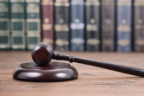 Florida considers bill to control insurance litigation costs