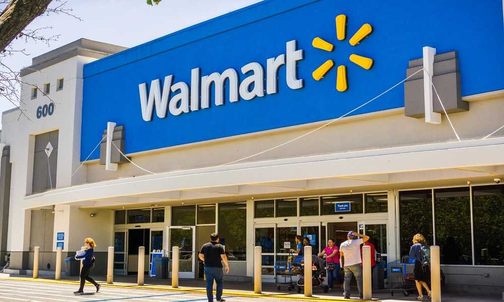 'Stay calm': Walmart trains staff how to deal with maskless