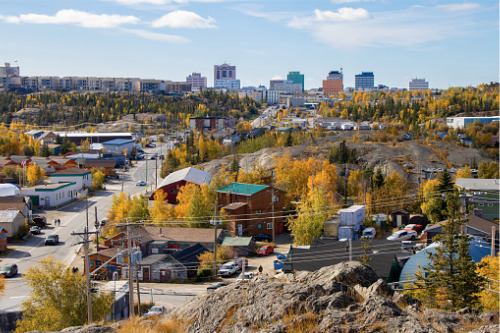 Yellowknife residents struggling to afford their home - reports