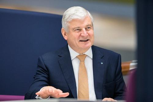 Aviva chairman Sir Adrian Montague to retire