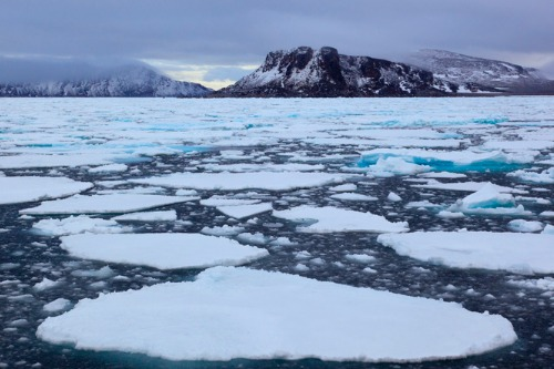 Marine insurers take on uncharted Arctic risks
