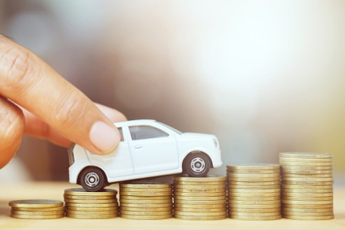 Car insurance premiums see record drop