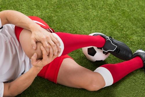 Futbol yaralanmaları ve COVID-19 – kulüplere ne kadara mal oluyor?