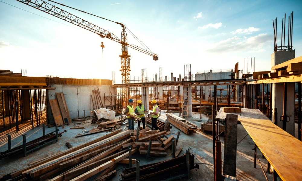 How can brokers deal with rising costs in the construction insurance market?