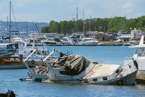 NL winter storm damages yacht club's boats, wharf