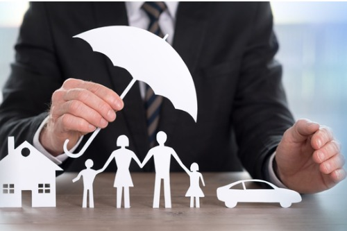 Canadian insurance industry full of