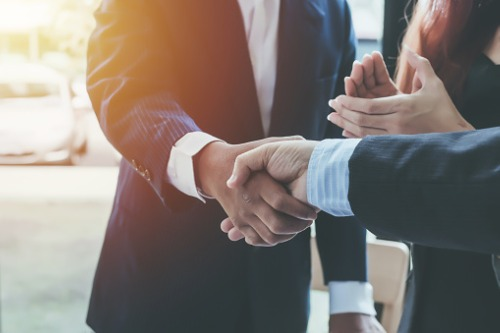 Major auto glass distributor strikes partnership with nine Canadian insurers