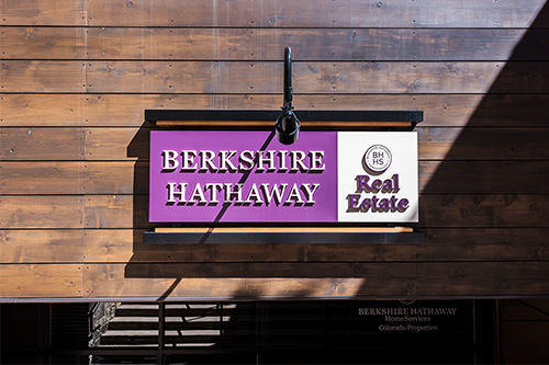Berkshire Hathaway moves in for home furnishings company RH