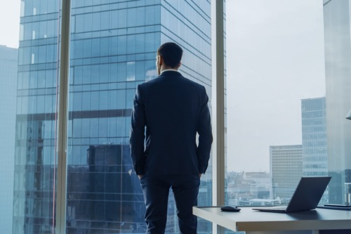 Swiss Re unveils new group CUO – announces closure of business unit