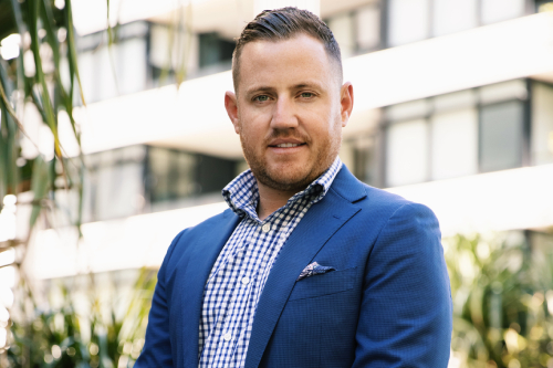 Insurance broker on beginnings, taking the leap, and rolling up his sleeves