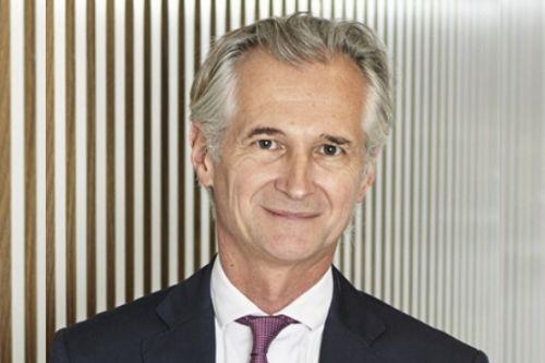 AXA unveils new chairman